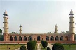 पाकिस्तान के खूबसूरत महल जो कभी हुआ करते थे भारत की शान