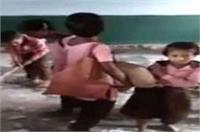 राहुल के गढ़ में छात्र पढ़ाई नहीं बल्कि कर रहे मजदूरी