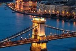 दुनिया के 5 खूबसूरत शहर, जहां परिवार के साथ जाने पर है बैन