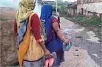 अब इस 'कुप्रथा'' से आजाद होने लगी हैं यूपी की दलित महिलाएं