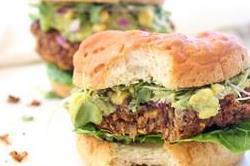 सिंपल नहीं, इस बार बनाकर खाएं California Burger