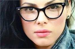 चश्में के कारण नाक पर पड़े निशान को ऐसे हटाएं