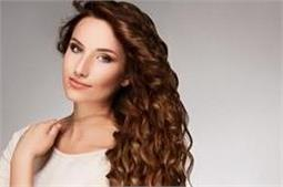 बालों को घुंघराला करने के लिए खुद ही बनाएं Curl Cream