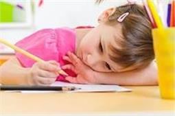 बच्चा खुद ही करता है सारे काम, ताे ये हाे सकता है खतरे का सिग्नल!