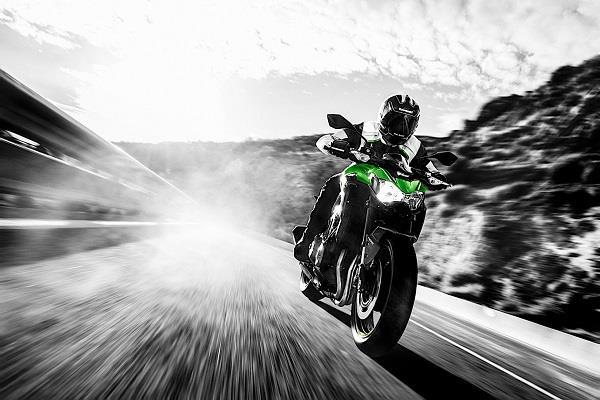 Kawasaki ने पेश किया Z900 बाइक का A2 लाइसेंस वर्जन, जानें डिटेल