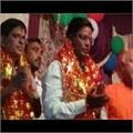 युवक ने देवी मंदिर में दर्शन करने गए DM की पॉकेट में डाला हाथ, गिरफ्तार