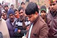 बाराबंकी में जहरीला भोजन खाने से 11 लोगों की मौत, जांच करने पहुंची टीम