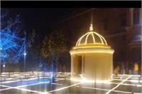 बसंत पंचमी पर आगरा का दयाल बाग बसंती रंग में रंगा, सोलर पावर के द्वारा की गई विद्युत सजावट