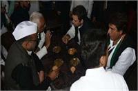 अमेठी दौरे पर राहुल गांधी, रायबरेली के हनुमान मंदिर में की पूजा अर्चना