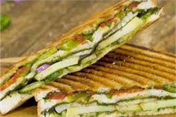 ट्रिपल वेज ग्रील्ड सैंडविच