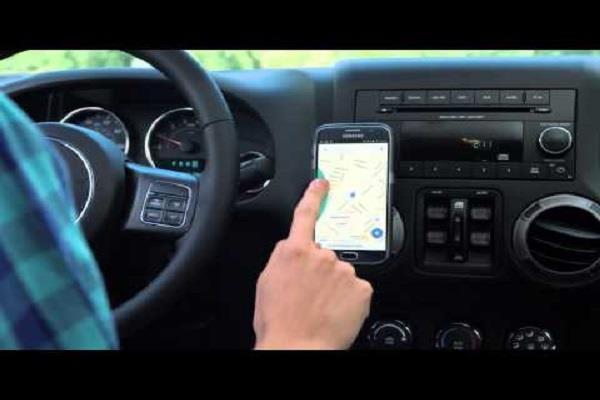 ड्राइविंग के दौरान अापके बेहद काम अाएगी ये एप्स