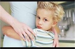 बच्चों के अजनबियों से डर को इन तरीकों से करें खत्म