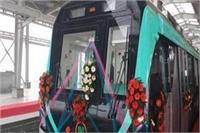 नोएडा-ग्रेटर नोएडा मेट्रो का लंबा हुआ इंतजार, अप्रैल में शुरू होने के बजाए आगे होने के आसार
