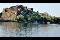 यह है भारत का सबसे डरावना किला, यहां जाने से भी डरते है लोग