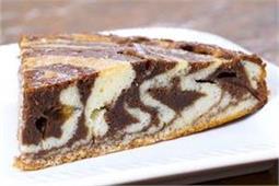 मीठे में खाना चाहते हैं कुछ स्पेशल, ताे बनाएं Zebra Cake