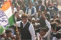 पुलिस और कांग्रेसियों में झड़प, हिरासत में राज बब्बर समेत सैंकड़ों कांग्रेसी