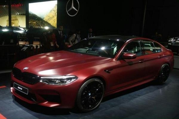 Auto Expo 2018: बीएमडब्ल्यू ने लांच की अपनी नई एम5 सेडान कार