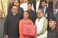 UP Budget 2018: योगी सरकार ने पेश किया घाटे का बजट, लेकिन नया कर नहीं