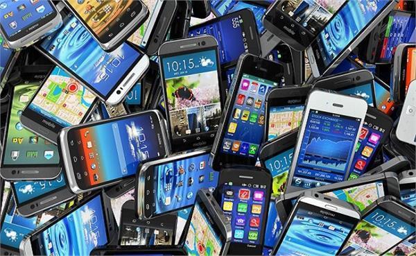 2017 में भारतीय स्मार्टफोन मार्केट में हुई 14 फीसदी बढोतरी : रिपोर्ट
