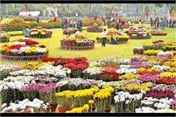 Rose Festival: इस फ्लावर शो में आप भी ले रंग-बिरंगे फूलों की खूशबू का मजा