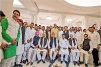 राज्यसभा चुनाव: अखिलेश की डिनर पार्टी में शामिल हुए चाचा शिवपाल और राजा भैय्या