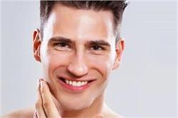Men Special: चेहरे पर निखार लाने के लिए ट्राई करें ये घरेलू नुस्खे