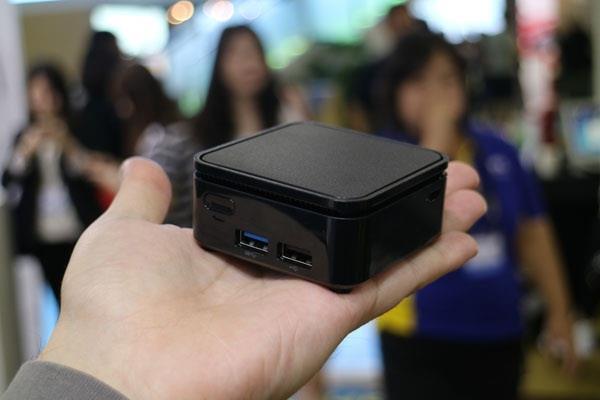भारत में लांच हुआ दुनिया का सबसे छोटा मिनी PC Liva Q