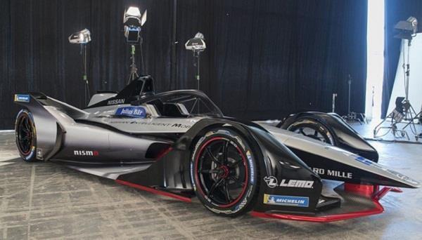 Geneva Motor Show 2018: निसान ने प्रदर्शित की पहली इलैक्ट्रिक रेसिंग कार