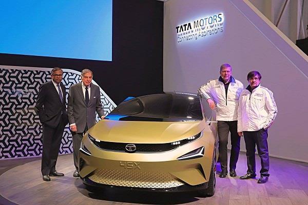 Geneva Motor Show 2018:  हैचबैच सैगमेंट को टक्कर देगी टाटा 45X कॉन्सैप्ट कार
