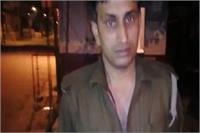 खौफ बेअसरः दबंगाें के हाथों पिटी योगी की पुलिस