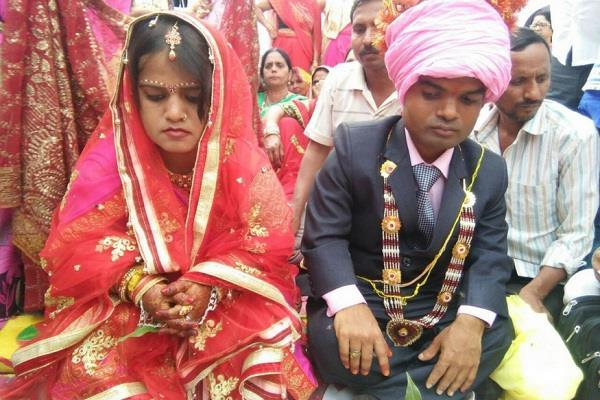3 फीट की नेहा बनी दुल्हन, 3.7 फीट के प्रज्ञानंद से रचाई शादी