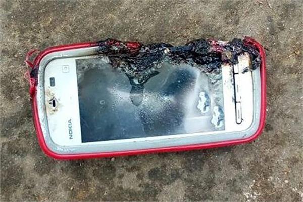 चार्जिंग में लगे Nokia फोन में ब्लास्ट, बात कर रही युवती की दर्दनाक मौत