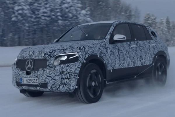 मर्सिडीज-बेंज ने टीज़ की EQ कॉन्सेप्ट इलेक्ट्रिक SUV की फोटो