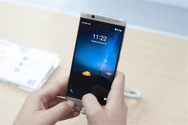 एंड्रॉयड स्मार्टफोन कंपनियों का यूजर्स से धोखा, जांच में हुआ झूठ का पर्दाफाश