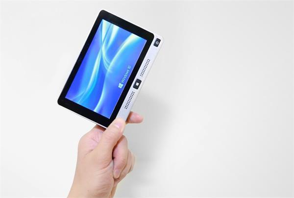अब नहीं पड़ेगी लैपटॉप उठाने की जरूरत, बनाया गया दुनिया का सबसे छोटा पॉकेट साइजड़ MiniPC