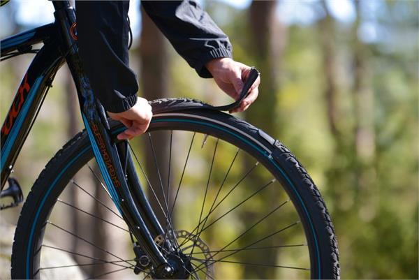 अब नहीं पड़ेगी पुराने साइकिल टायर को बदलने की जरूरत, नई तकनीक से बनाई गई टायर स्किन