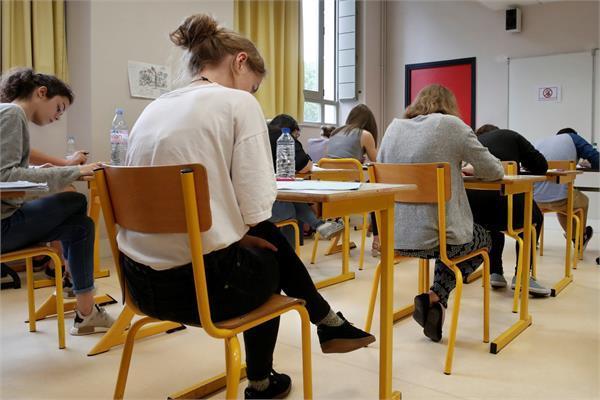 परीक्षा के समय offline हुआ पूरा एलजीरिया, बंद हुए मोबाइल्स व फिक्स्ड लाइन कनैक्शन्स