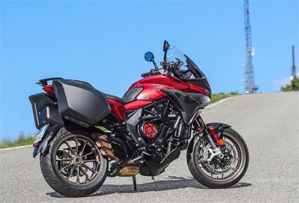 स्मार्ट क्लच सिस्टम के साथ बनाया गया पहला Sport Touring Motorcycle