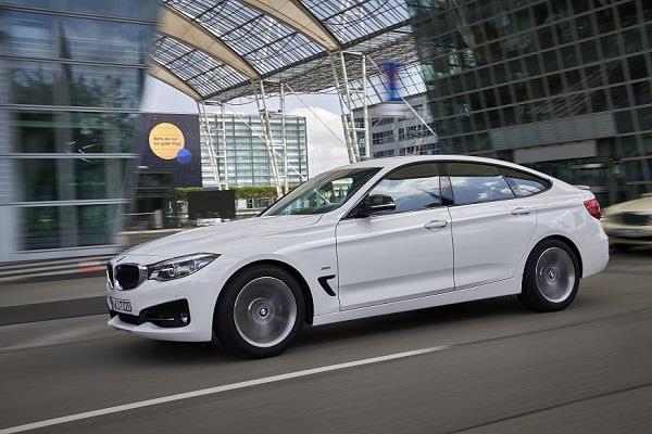 महज 7.7 सेकंड में 0-100 km की रफ्तार पकड़ लेगी BMW की नई कार