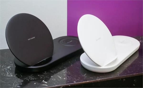 स्मार्टफोन और स्मार्ट वॉच को एक साथ चार्ज कर सकता है 'Duo'