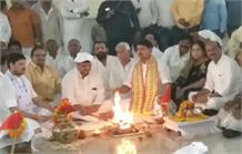 नए बंगले में शिफ्ट हुए शिवपाल यादव, पूजा-पाठ कर घर में किया गृह प्रवेश