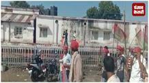 गुजरात में बिहारियों पर हो रही हिंसा के खिलाफ बिहार में गुस्से की लहर