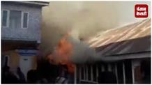 सौरा अस्पताल में लगी आग का LIVE VIDEO आया सामने