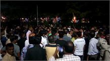 नवरात्र में पुलिस की कार्रवाई से पड़ रहा खलल