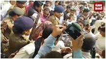 बुर्के में सरेंडर करने कोर्ट पहुंची पूर्व मंत्री मंजू वर्मा, मंत्री मंगल पांडेय ने कहा-कानून से ऊपर कोई नहीं