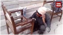 आंखों से नहीं देख सकता श्याम सुंदर, फिर भी बना लेता है कुर्सी