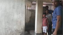 बभनौली हाई स्कूल में पढ़ाई न होने की वजह से ग्रामीणों ने जड़ा ताला