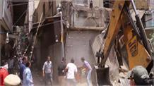 अजमल खान रोड मार्केट में हुई अतिक्रमण के खिलाफ कार्रवाई