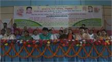महिलाओं को स्वावलंबी बनाने के लिए केन्द्र और राज्य सरकारें कर रही काम
