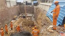 ग्रेटर कैलाश में निर्माणाधीन बिल्डिंग की दीवार गिरी, 1 की मौत 5 घायल